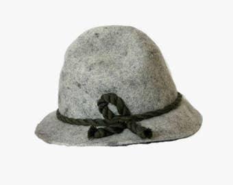 Traditional German Bavarian Hat / Vintage fedora hat / Oktoberfest Hat Size L - XL