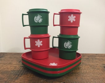 Vintage Tupperware Holiday Christmas Snack Plates and Mugs 1534 and 1312