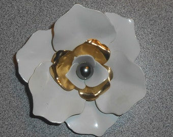 """Vintage 1963 Sarah Coventry """"CAMELLIA"""" Gold Tone White Enamel Grey Faux Pearl 3D Layered Petal Flower Brooch"""