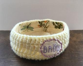 Bread basket Crochet bread basket Handmade bread basket Round white crochet bread storage basket