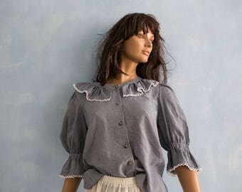 Vintage whiteblack gingham checkered  folk boho austrian  blouse/   ruffle collar Salzburg octoberfest  blouse/puff elbow  sleeve blouse/M
