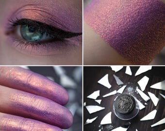 Eyeshadow: Dreaming of a World Split - Nomad. Purple-orange eyeshadow by SIGIL inspired.