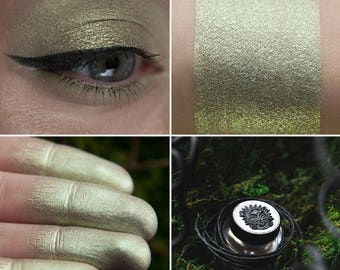 Eyeshadow: Contending with the Wind - Mountain Thorp. Cold green satin eyeshadow by SIGIL inspired.