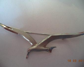 Vintage Unsigned Silvertone/Matt Seagull in Flight Brooch/Pin