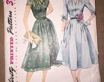 Vintage 1952 Simplicity 3931 Dress Pattern, Size 14