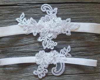 Garter Set White Vines