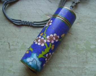 An Unusual Antique/Vintage Chinese Cloisonne Enamel Opium Box/Snuff Box Pendant.