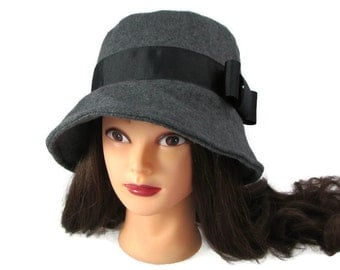 "Ladies Charcoal Gray Fleece Bucket Hat with Black Ribbon Band 23"" - Cloche"