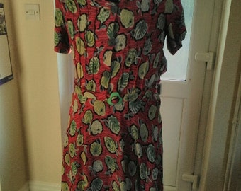 1940s dress,  40s  dress vibrant red novelty print moygashel dress with original belt.
