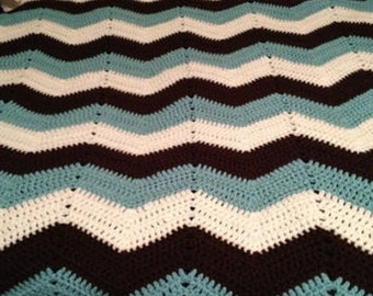 Classic Chevron Child sized throw blanket
