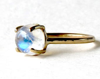 Rainbow moonstone ring, blue flash moonstone ring, moonstone jewelry, moonstone ring, moonstone, solid gold ring, 14k moonstone ring