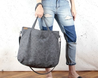 Big Pacco bag graphite shoulder dark grey crossbody ash tote zipped up pockets oversized city bag everyday handbag vegan faux leather