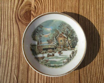 Vintage Currier and Ives Color Farmers Home Winter Collectable Plate
