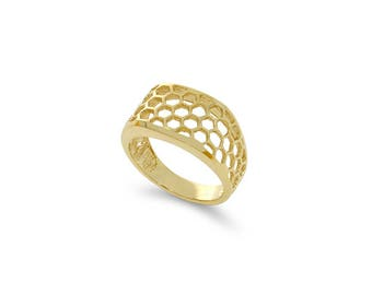 14k solid gold ring. beehive ring. web looking ring.