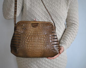 Vintage LEATHER HANDBAG , women's leather bag............(076)