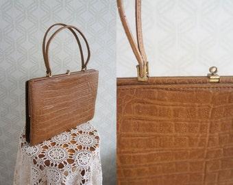 50s vintage leather handbag.  Mid century Toffee leather handle top bag.