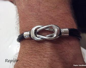 Mens Leather Bracelet . Mens Infinity Bracelet Magnetic Celtic Clasps Knot in Zamak .  Leather Bracelet. Knot Bracelet .  MAGNETIC Bracelet