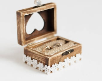 Wedding Ring Box, Ring Box Wedding, Wooden Wedding Box, Ring Holder, Ring Bearer Box, Engagement box, Rustic ring bearer box, box with lace
