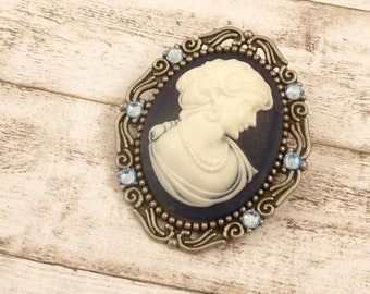 Large camee brooch with lady in darkblue silver, gemstone jewelery, vintage style, gift woman, Ireland Brooch, jewelery for her