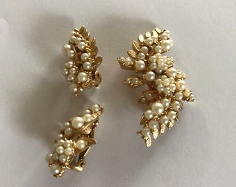 1960s Estate Jewelry Set Leaves and Faux Pearls Brooch and Clip on Earrings Bridal Set