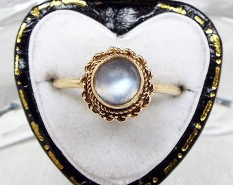 Vintage 9ct Yellow Gold Dainty 1977 Hallmarked Domed Moonstone Ring / Size J 1/2