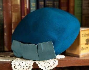 1950s teal blue beret with bow