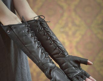 Razorpine Lacedown Gauntlets