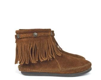 Size US 5.5 - Minnetonka Moccasins - Women's Shoes