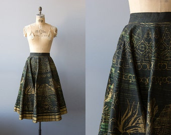 Vallejo skirt   Vintage 1950s dark green and gold painted mexican wrap skirt   Vintage 50s circle skirt