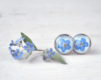 Real forget-me-not studs- flower earrings - blue Forgetmenot in Resin, unique resin jewelry - Gift for her, botanical jewel