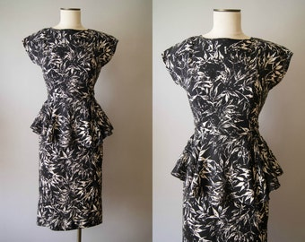 vintage 1980s dress / 80s-does-40s novelty print dress / small / Maple Leaf Dress
