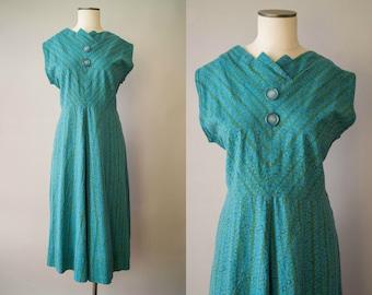 vintage 1950s dress / 50s novelty print cotton dress / medium / Double Bubble Dress