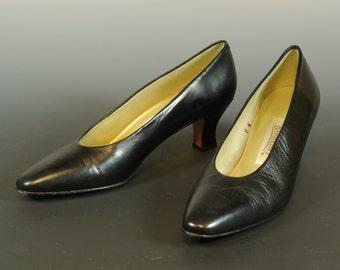 Bandolino Black Leather Pumps Almond Toe Medium Heel Size 8N US 5.5 UK 38.5 EUR