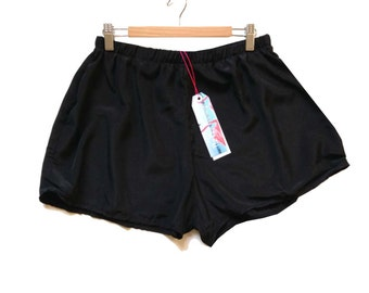 Black High Waisted Crepe Shorts