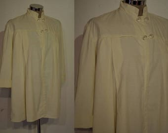 Fun 1940s / 1950s cotton smock w/ swing silhouette, double frog closure Medium size