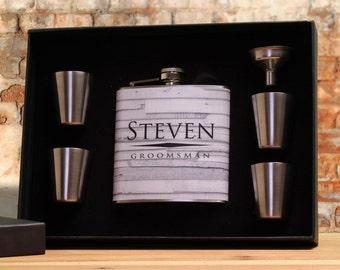 Whiskey Flask for Groomsmen // USA Flask // Hip Flask Personalized // Liquor Groomsmen Gift // Vinyl Flask // Custom Flask for Men // Flasks