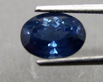 Blue Sapphire, oval faceted, ca. 1.93 ct, Sapphire