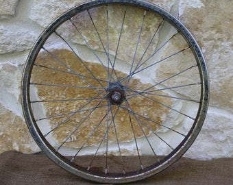 Vintage Rusty Bicycle Wheel, DIY Supplies, Crafts