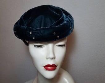 FREE  SHIPPING  1950 Pill Box Velvet Hat