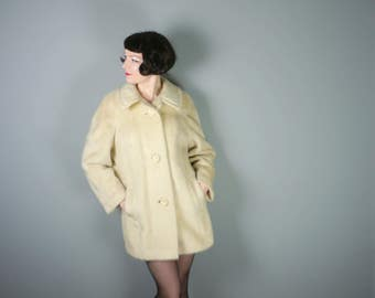 60s MOHAIR coat in soft cream colour - Mid Century swagger TEDDY coat by Seigal - M