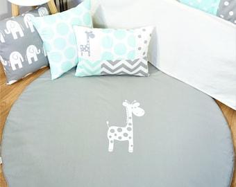 Floor mat, tummy time, play mat - Grey with white giraffe