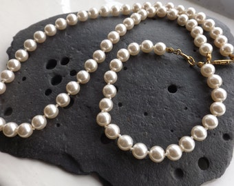 Vintage Pearl Necklace and Bracelet Set