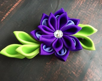 Purple flower hair bow, flower hair clip. Waterlily hair clip. Kanzashi hair flower. Japanese Fabric Flower Clip, wedding hair flowers