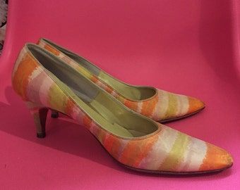 1970S // BERGERS Tony the Shoemaker // Size 7 2 Inch Abstract Watercolor Pumps