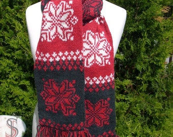 Scarf with Norwegian pattern