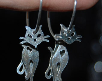 Vintage Articulated Movable Sectioned Kitty Cat Earrings #BKC-KERNG91