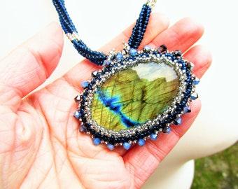 Labradorite Pendant, Labradorite necklace, Beaded Labradorite Necklace, Seed bead necklace, Beadwork necklace, Gemstone Necklace, Beadwoven