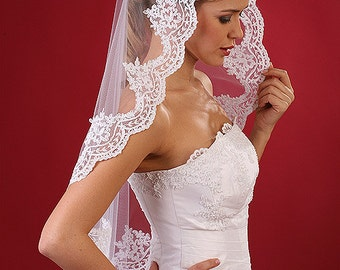 Mantilla veil with Lace floral bridal mantilla veil catholic White and Ivory W1303 Mantilla veil with lace