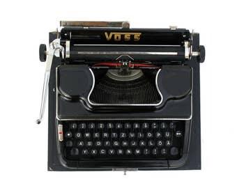 """Mechanical typewriter in bakelite """"VOSS"""""""