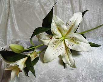 Real Look Silk Casablanca Lily Spray on stem in color ORIENTAL IVORY~Big Gorgeous Flower-New